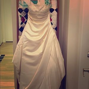 Wedding dress David's bridal size 6